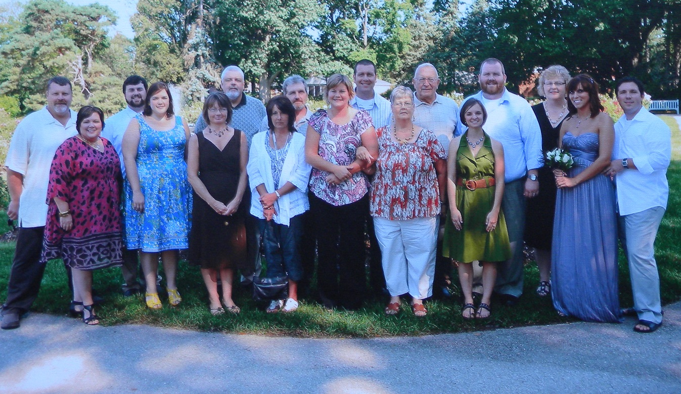 Ohio Clan:  Wedding of Amanda Gray & Brandon Miller        Harold & Cindy Walton; Zach & Jeanette Cummings; Brenda & Jim Hardng; Jodie & John Walton;         Courtney & Jeremiah Harding; Kaye & Jack Walton; Ali & David Harding; Kathy Cummings; Amanda         & Brandon Miller - August 2011